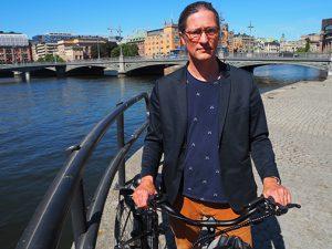 Rikard Warlenius (V) vill satsa 1 miljard på cykling i Stockholm.