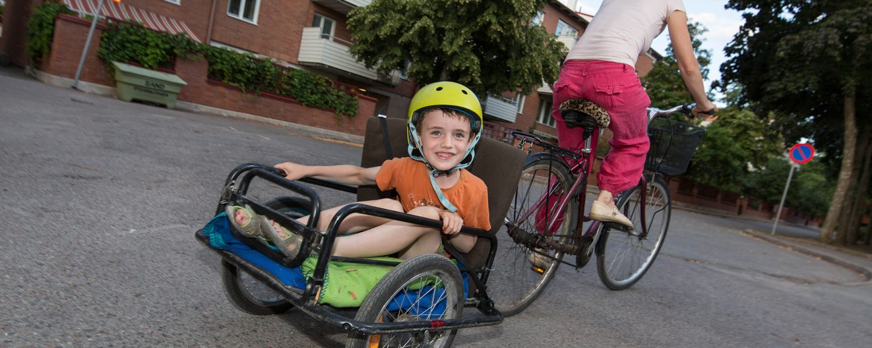 Barn i cykelvagn. Foto: Erik Nordblad
